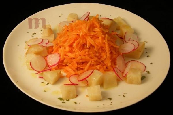 insalata-di-carote-sedanorapa-e-rapanelli-rossi466C89DD-5CE2-46F8-7236-EAF3188295C1.jpg