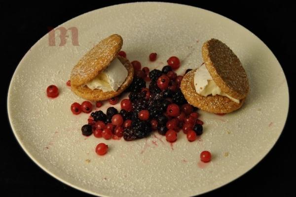 tortino-di-mandorle-e-mascarpone-ai-frutti-di-bosco017D9BEA-D4FC-A689-5CAF-D6E43327A356.jpg