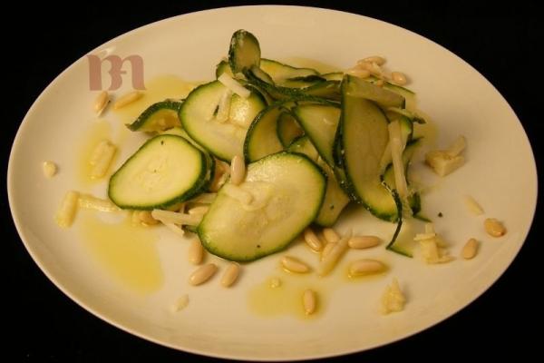 insalata-di-zucchine-crude03896FD3-1B9D-DA77-D02A-55092CC07804.jpg